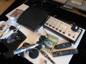 Die Audioabmischung, Das Mikrofon und die Playstation 3 die erstmal dem T-Home Mediareciever weichen musste.